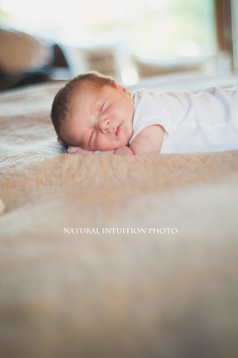 Central Wisconsin Lifestyle Newborn Photography (c) Natural Intuition Photography