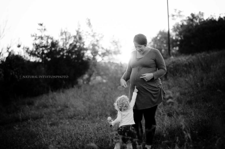 Baby Bump, Maternity, Baby Plan, Field, Blanket, Waupaca Wisconsin, Stevens Point Wisconsin, Family & Maternity Photography, Antigo Wisconsin