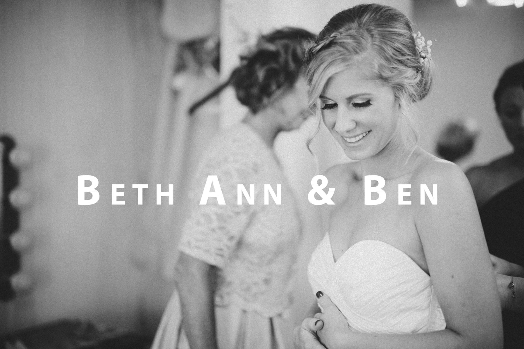 vBEST WEDDING PHOTOGRAPHER in WISCONSIN, Clear Tent Wedding, White Tent Wedding, Madison Wisconsin Wedding