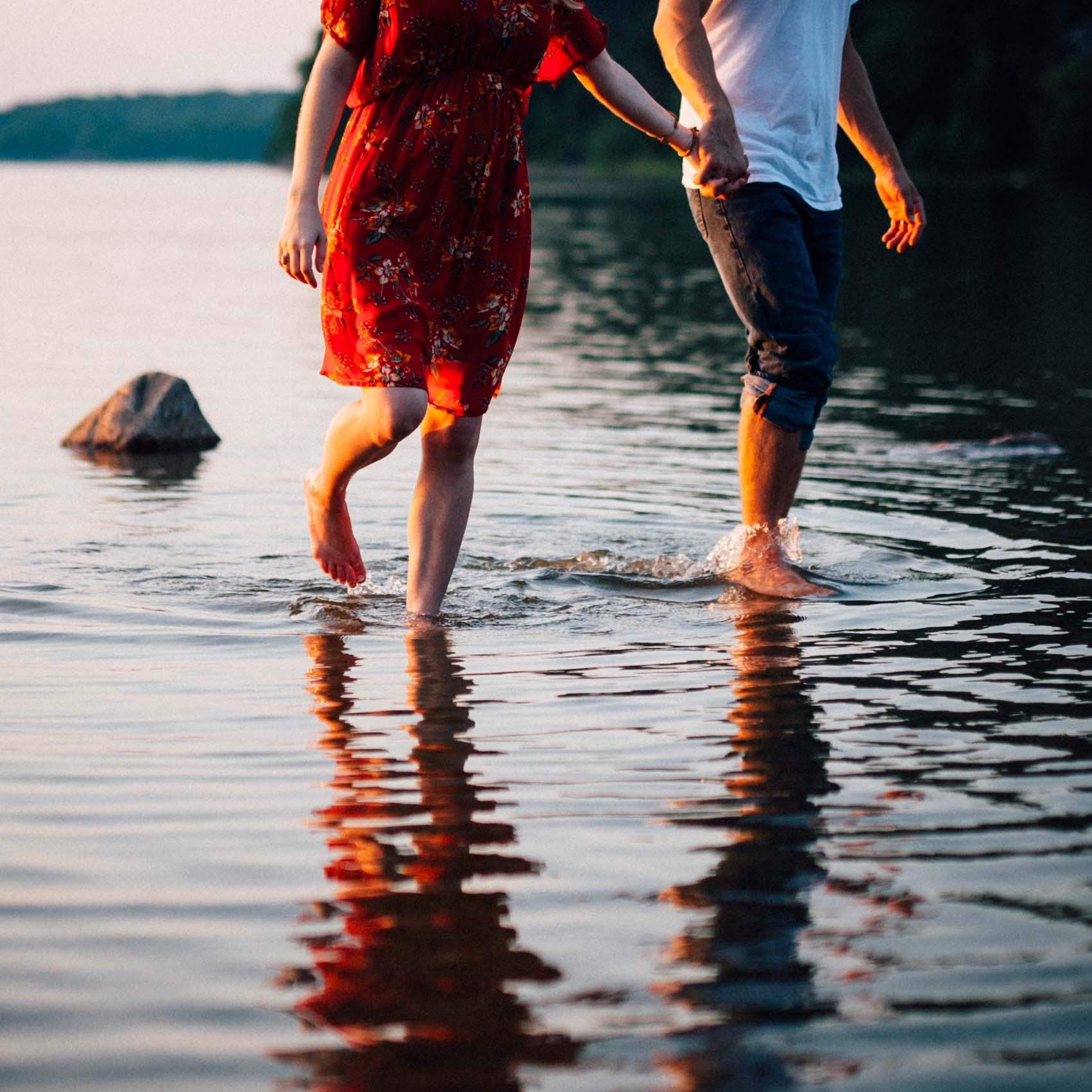 devils lake maternity session , colorado maternity photographer, adventure session