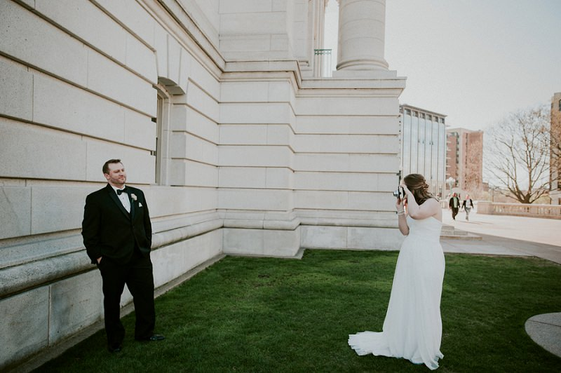 Madison capital building wedding portraits natural for Wedding photographers madison wi