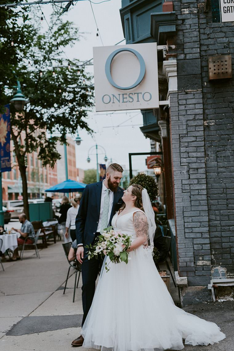 Urban Wedding - Onesto Wedding in Milwaukee Wisconsin - Milwaukee Wedding Photographer