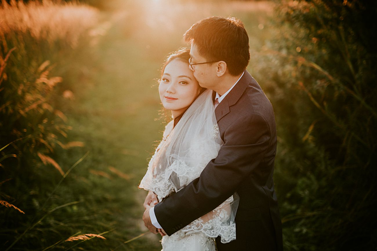 Golden Hour Photos - Anniversary Session in a Field - Bridal portraits in a filed - madison wi photographer