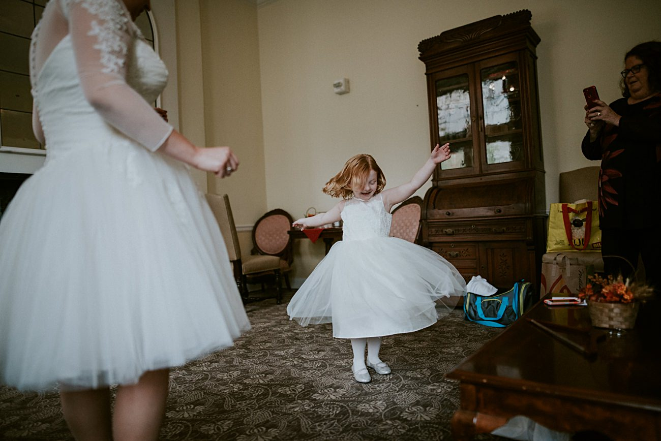 Flower Girl Photos, Madison WI Wedding Photographer - Natural Intuition Photography