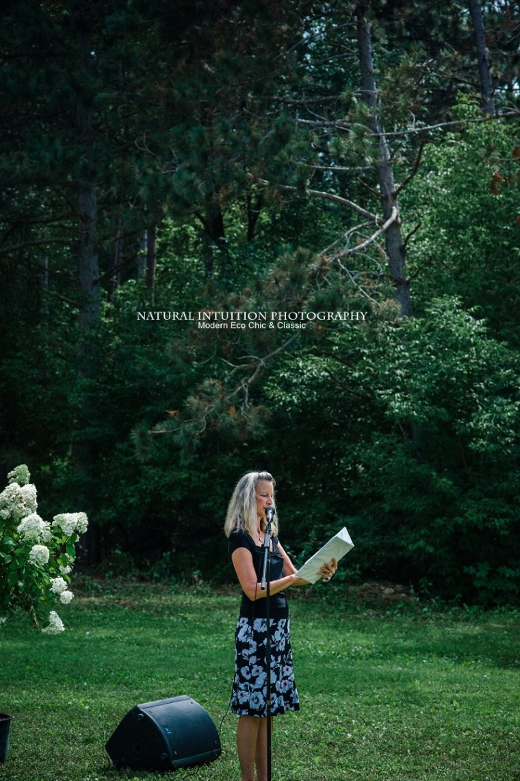Outdoor Wedding Photographer, Backyard Wedding Photographer, Wedding Photography, Waupaca WI Wedding Photographer, Wisconsin Wedding Photographer, Central Wisconsin Wedding Photographer, Midwest Wedding Photographer, Stevens Point Wisconsin Wedding Photographer