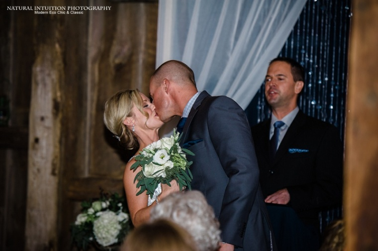 Hortonville Wisconsin Stevens Point Wisconsin Wedding Photographer (c) Natural Intuition Photography_0014
