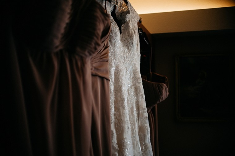 Lace Wedding Dress, Bridal Gown, Waupaca Wedding, Wisconsin Wedding Photographer