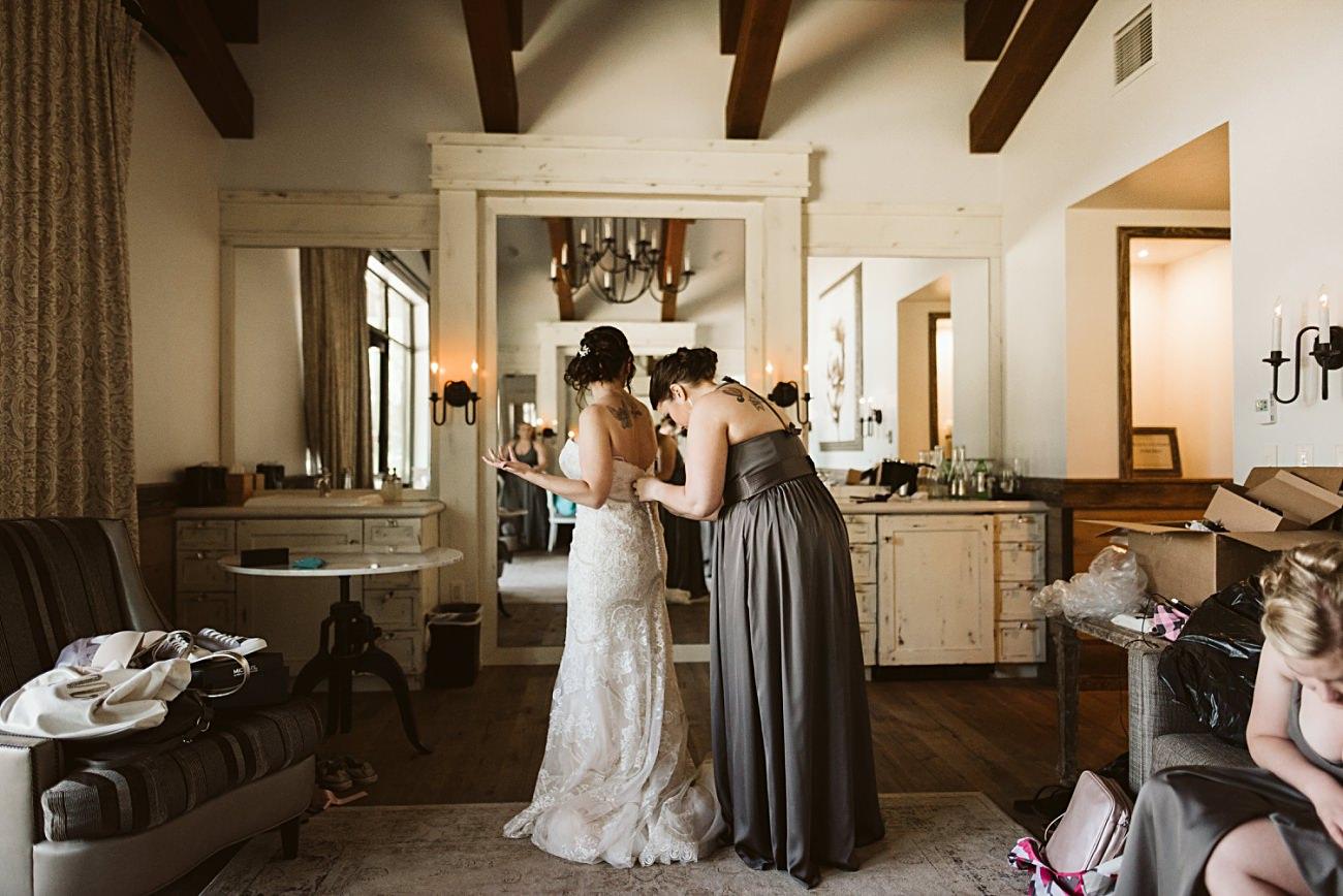 Bride Getting Ready, Sentry World Wedding in Stevens Point Wisconsin, Madison Wisconsin Wedding Photographer, Stevens Point Wedding Photographer