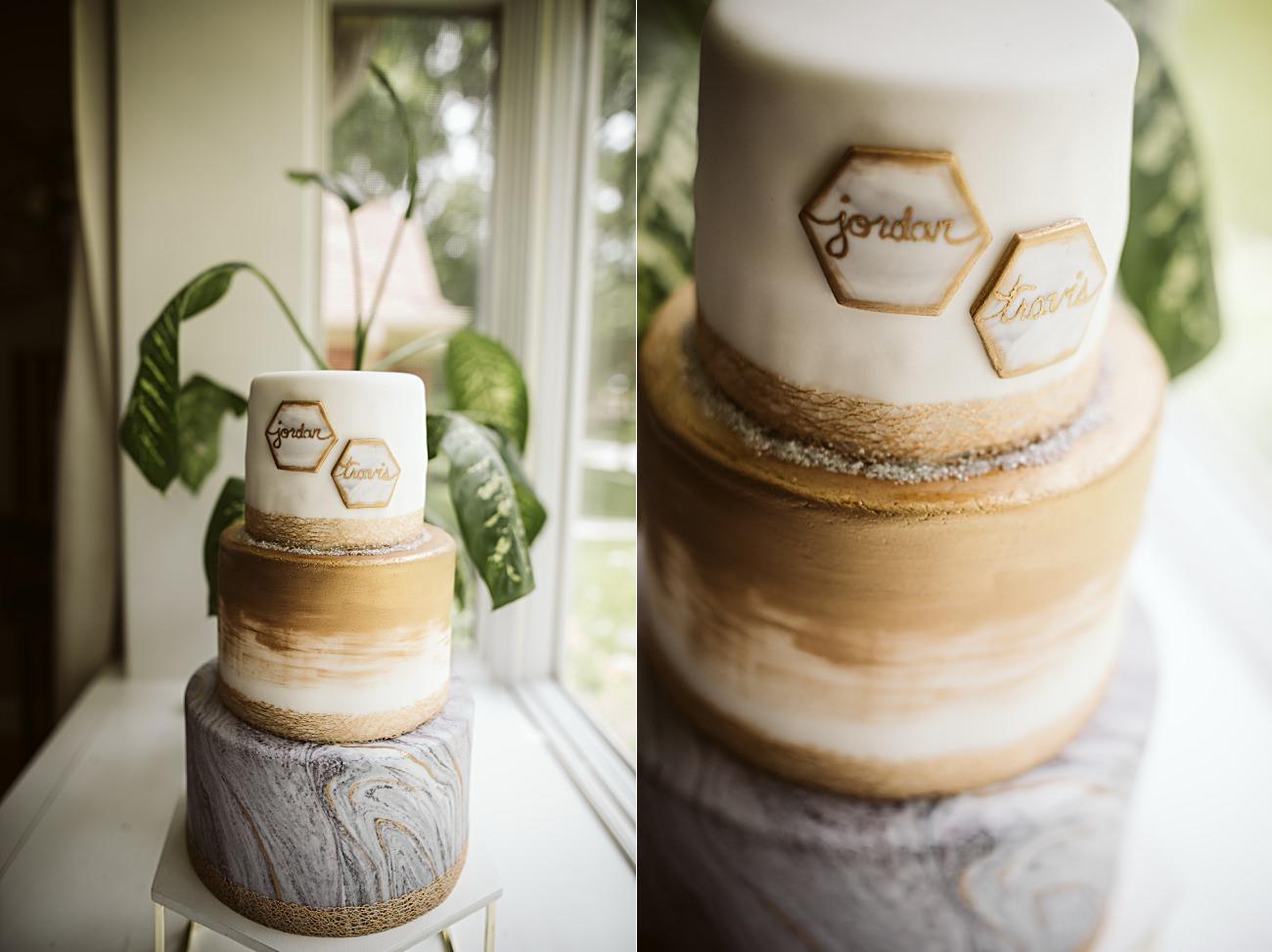 The Atrium Wedding in Milwaukee Wisconsin, Milwaukee Wisconsin Wedding Photographer, Wedding Reception, Wedding Cake