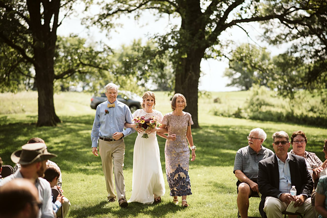 Wisconsin Barn Wedding, Madison Wisconsin Wedding Photographer, Wedding Party Photos, Outdoor Wedding Ceremony
