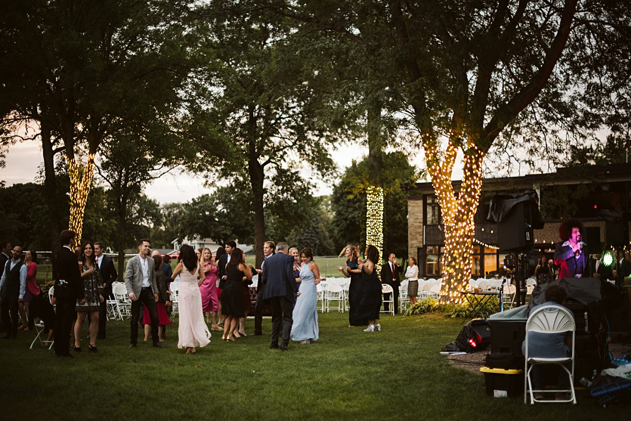 East Side Club Wedding Reception in Madison Wisconsin, Lakeside Wedding Madison Wisconsin, Fall Wedding on a Lake, Natural Intuition Photography, Food Trucks at Weddings