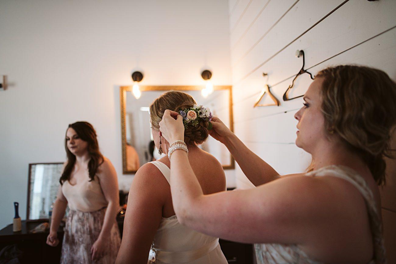Octagon Barn Wedding near Spring Green Wisconsin, Barn Wedding Inspiration, Getting Ready Photos