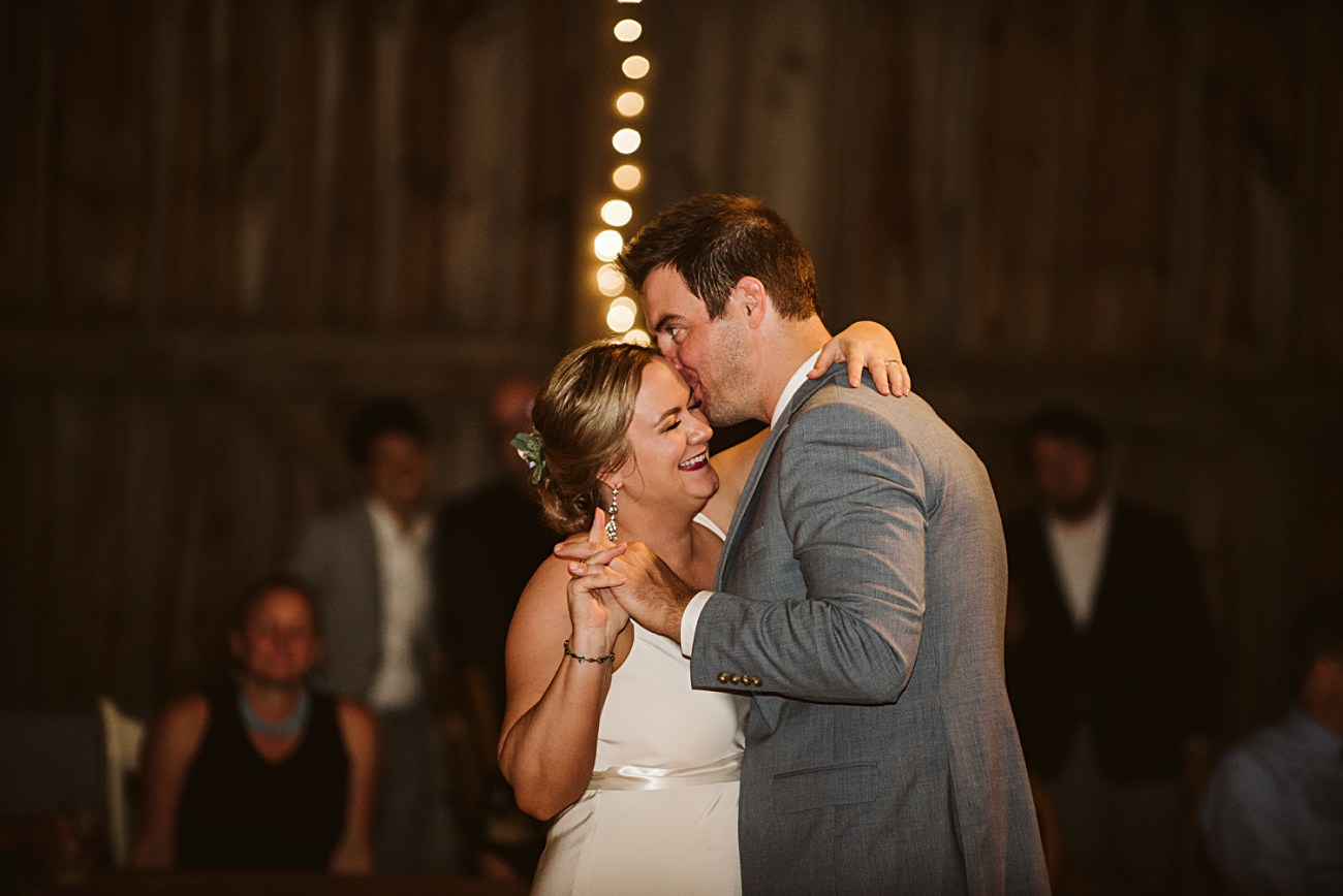 Octagon Barn Wedding near Spring Green Wisconsin, Barn Wedding Inspiration, Madison Wisconsin Photographer, Natural Intuition Photography
